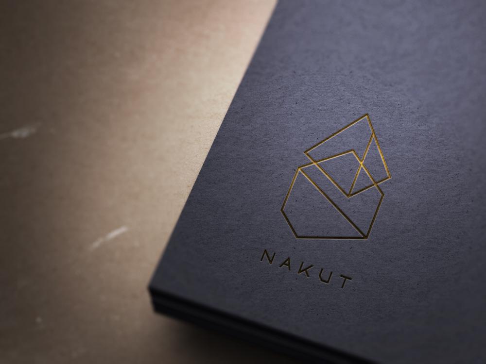 Nakut logo - Print Mokup (gold)
